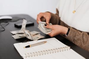 Dinero de indemnización por despido objetivo